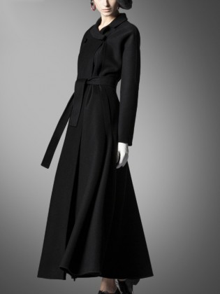 Áo khoác dạ đen siêu dài cổ áo cánh sen quý phái TA418