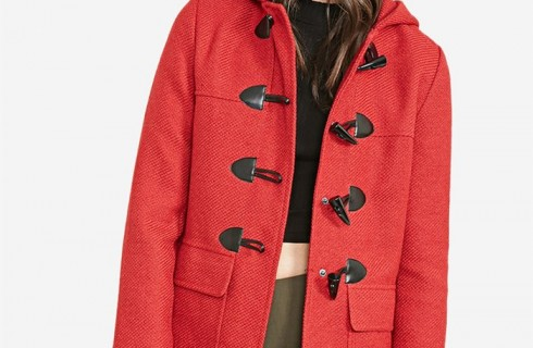 Phong cách áo khoác dạ nữ khuy gỗ tạo nên sức hút mạnh mẽ